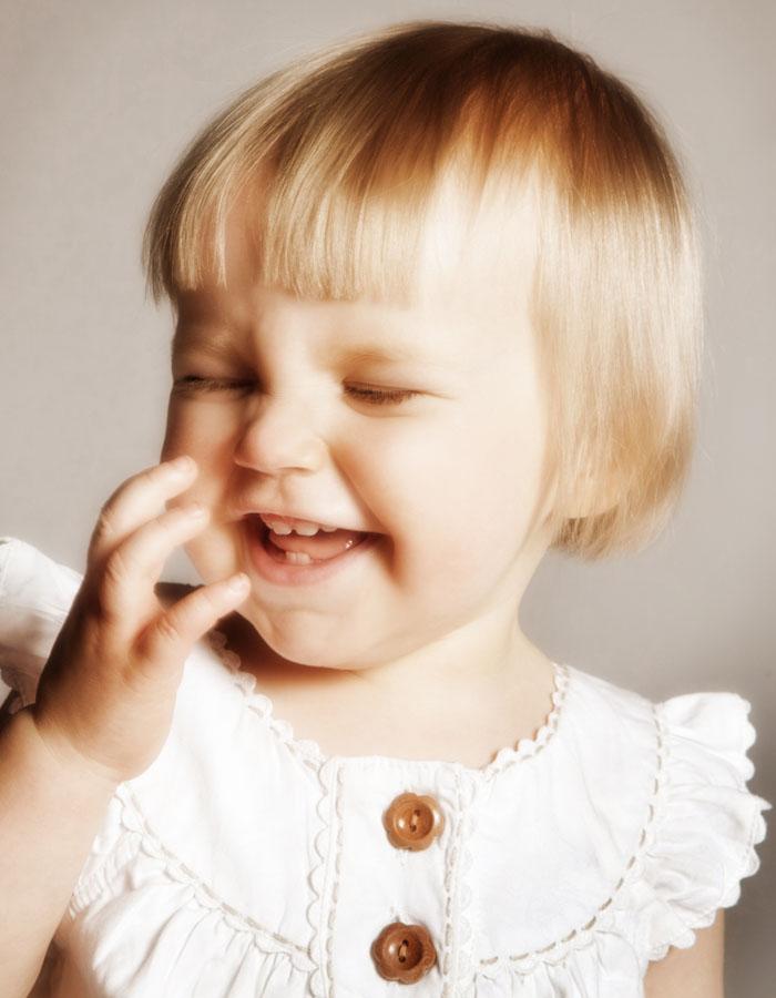 Lapsikuvassa on hymy herkässä - Studio Liikkuva -Valokuvaaja Turussa