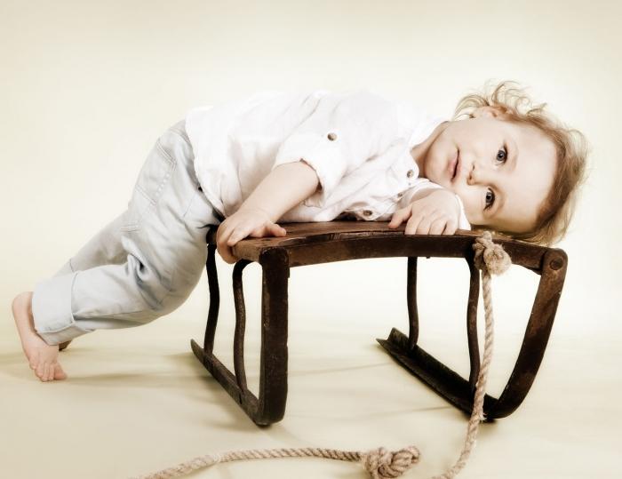 Lapsikuvaus studiolla napakelkan päällä - Turussa - Studio Liikkuva