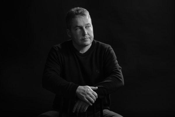 Cv-kuvaukset, Profiilikuvaukset, Matrikkelikuvakset, Valokuvaaja Turusta -Studio Liikkuva