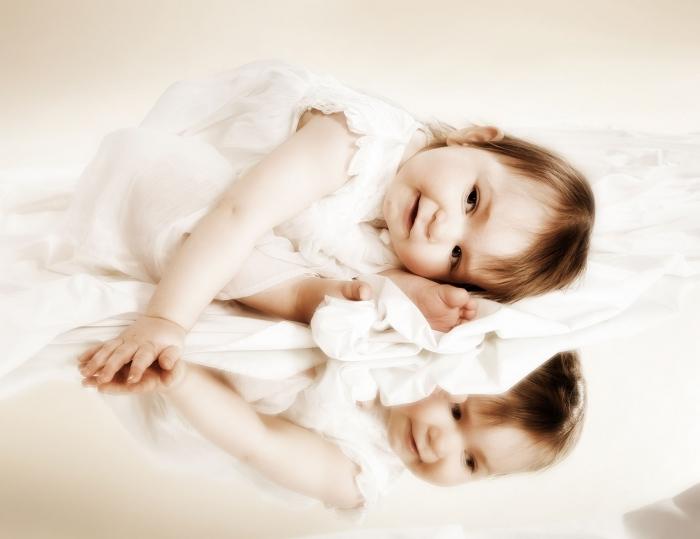 Vauvakuvaus peilin avulla studiolla -  Turussa - Studio Liikkuva