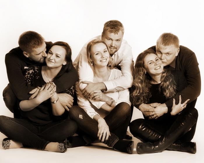 Perhekuvat ja Ryhmäkuvat - Studio Liikkuva - Valokuvaaja Turku
