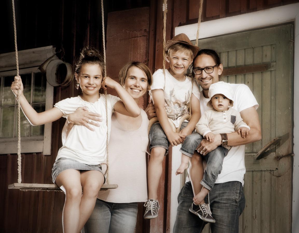 Perhe- ja ryhmäkuvaus - Valokuvaaja Turku - Studio Liikkuva