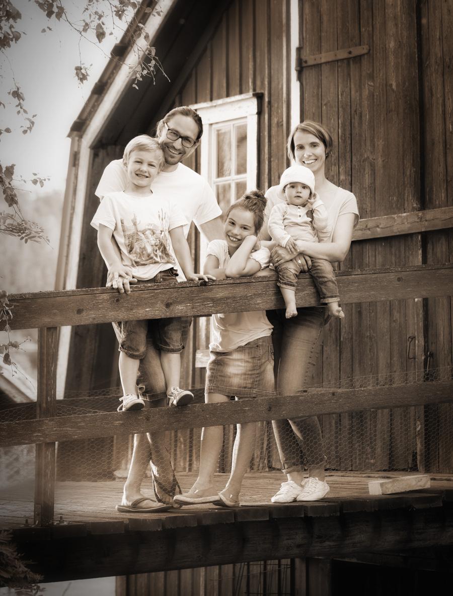 Perhekuvaus miljöössä - Valokuvaaja Turussa- Studio Liikkuva
